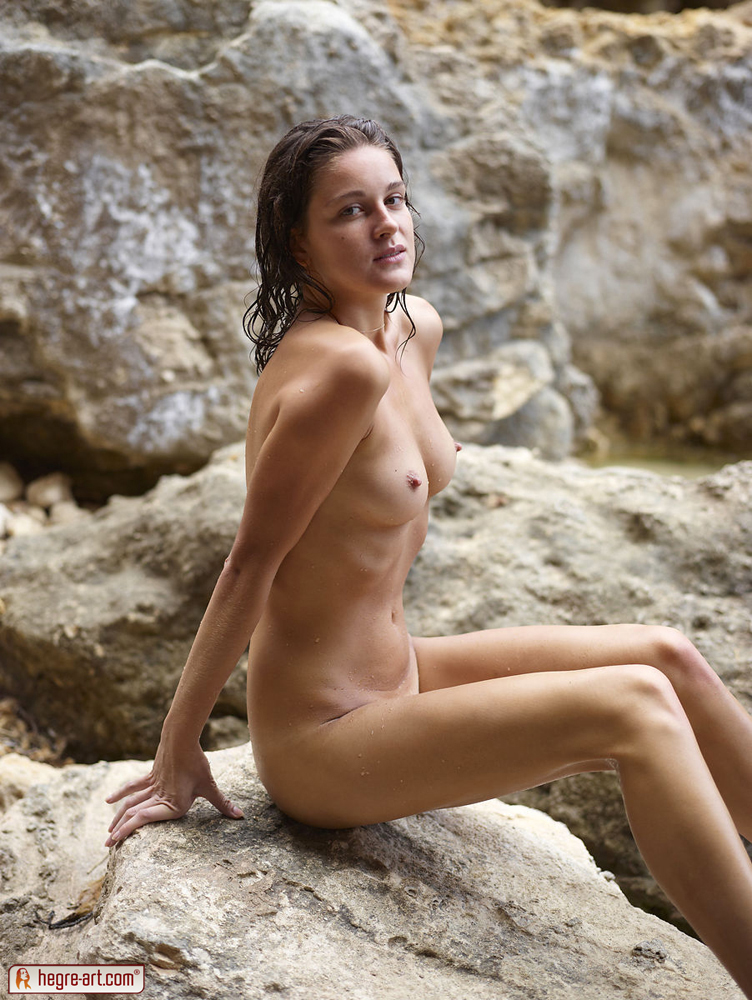 Sexy outdoor nude models for that