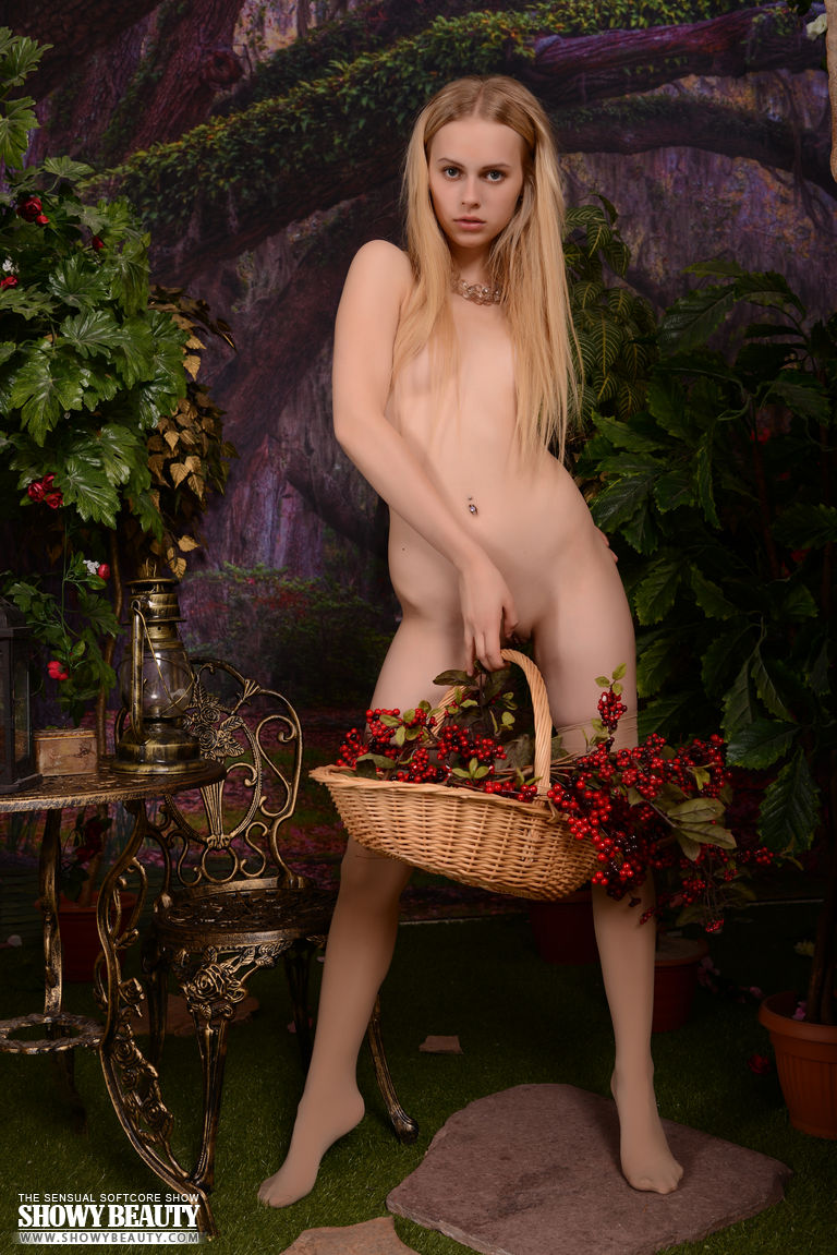 amazing petite blonde gives you a taste of heaven as she poses naked