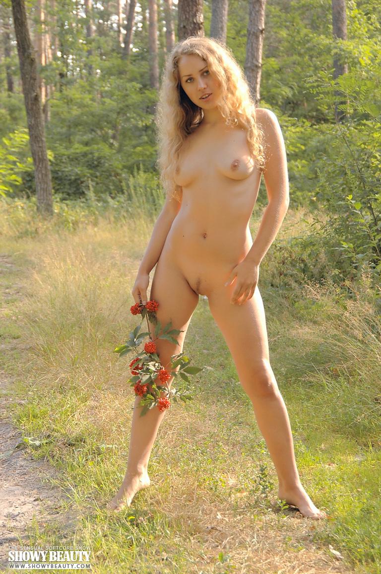 fairy posing sexy naked Beautiful