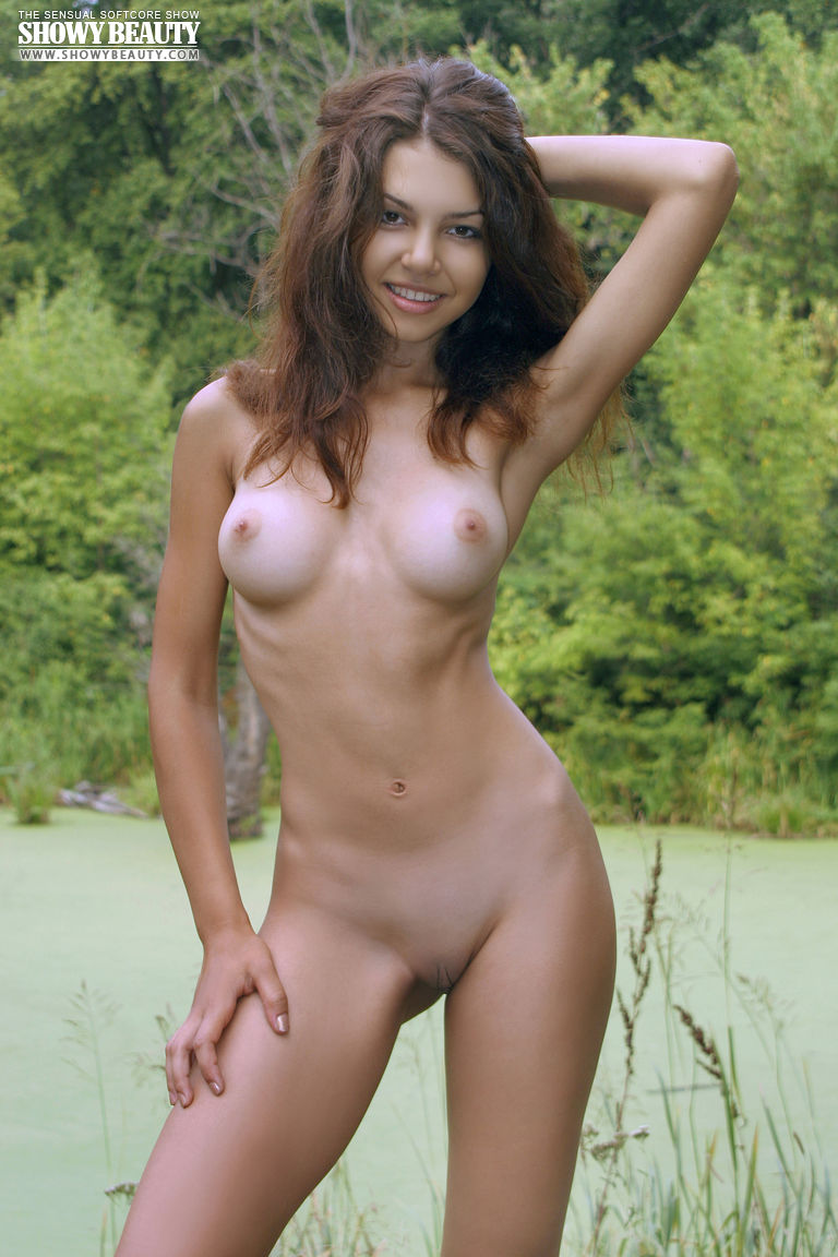 Nature nude babes in