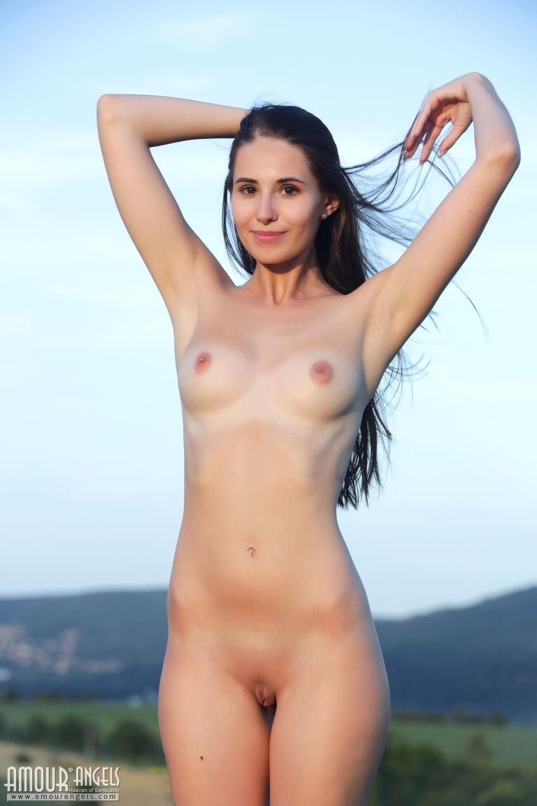 Kendra lust naked