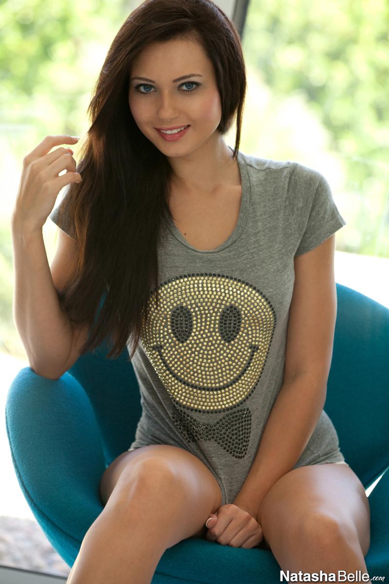 Smiley nude pics