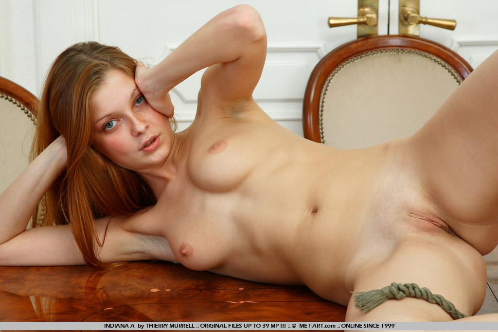 Table naked on