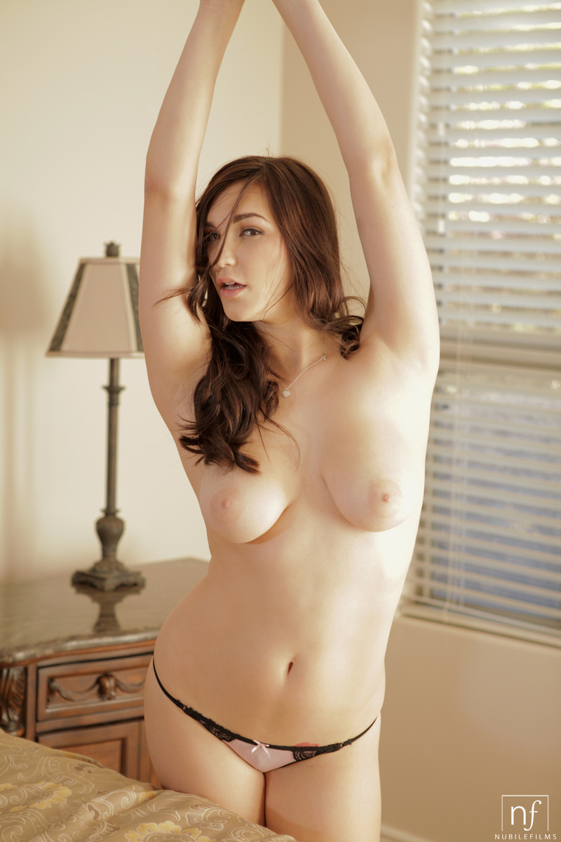 Shil labuff naked